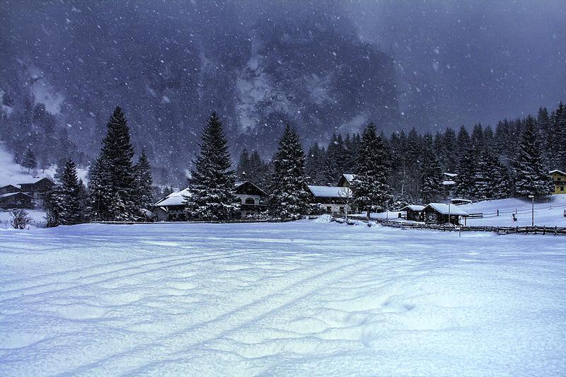 File:Winter wonderland Austria mountain landscape ...