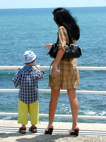 File:Woman and Child along the Seafront - Constanta - Romania.jpg