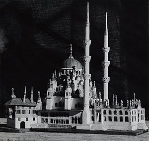 Külliye - A model of Yeni Valide Mosque complex with Külliye structure.