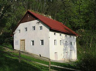 Zakojca - Image: Zakojca Cerkno Slovenia Bevk home