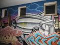 Zeppelin-Graffiti beim Eckener Haus, am Eckhaus zur Neuen Straße (Flensburg 2013), Bild 09.JPG