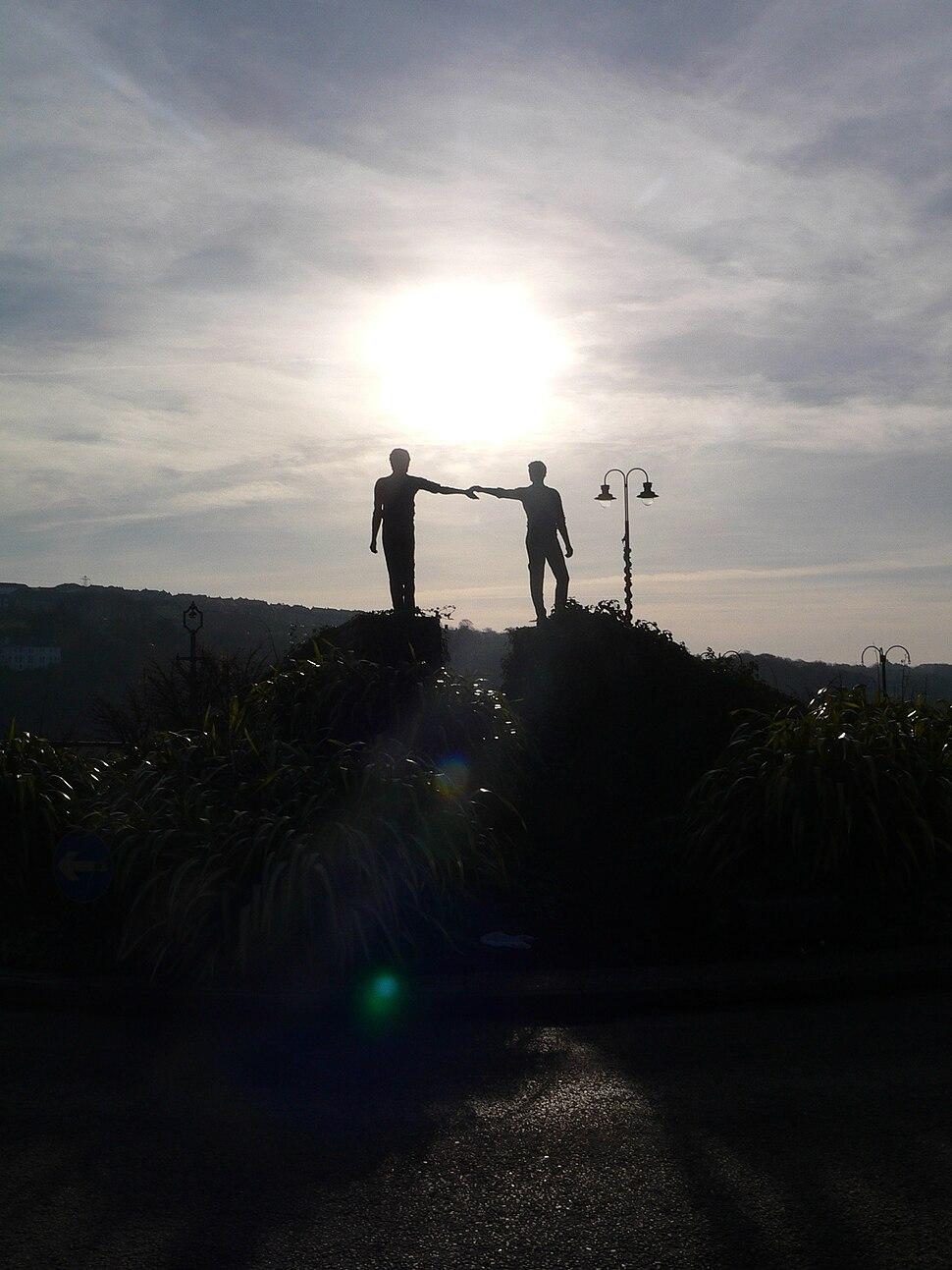 'Hands Across the Divide' sculpture, Derry