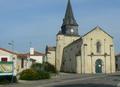 Église Saint-Romain et mairie de Curzon.png
