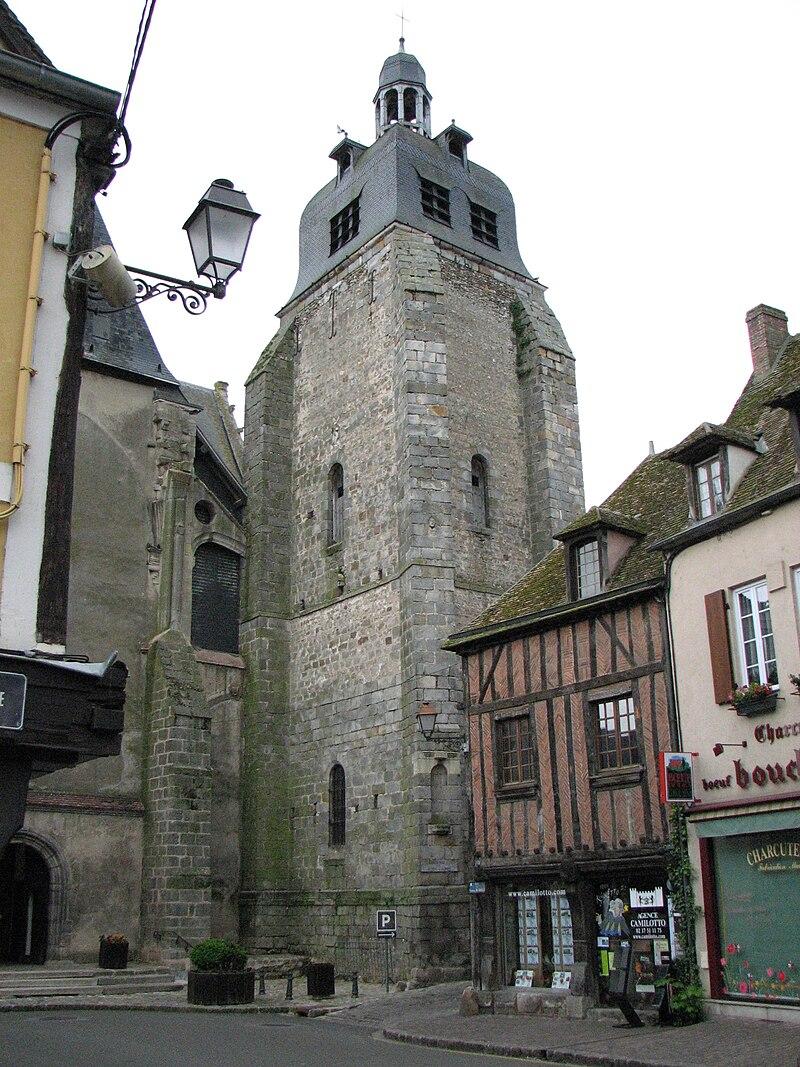 Église Saint-Sulpice de Nogent-le-Roi clocher.jpg