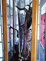 Étalage de parure traditionnelle pour femme en pays Akan 06.jpg