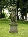 Łańcut - figura kamienna w parku.jpg