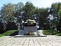 Братська могила радянських воїнів-танкістів..JPG