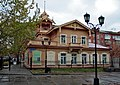 Главный фасад дома с мезонином.jpg