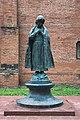 Памятник царевичу Дмитрию в Угличском Кремле.jpg