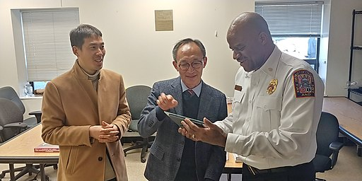 강원소방본부장 김충식 통역 최광모 워싱턴 D.C. 소방학교장 20190228Gangwon Fire Headquarters Delegation's Visit to Washington DC Fire & EMS Training Academy44