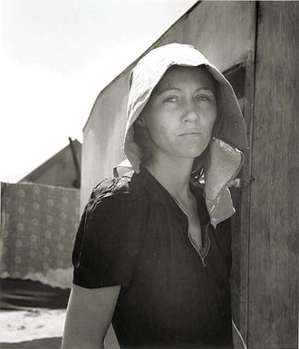 Seasonal human migration - American female migratory worker in 1940.
