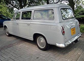 Peugeot 403 - Image: 1961 Peugeot 403 U Break (403B5), rear left