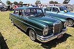 1962 Mercedes W111 220 SE Sedan.jpg