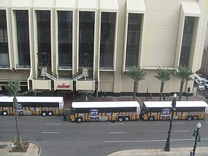 2007 LSU Tigers football team - The LSU team bus at New Orleans Marriott viewed from Sheraton New Orleans