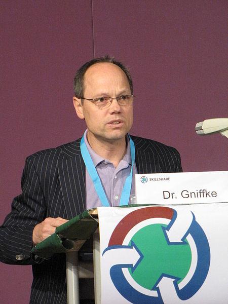 File:2010-06-06 Skillshare Gniffke.jpg