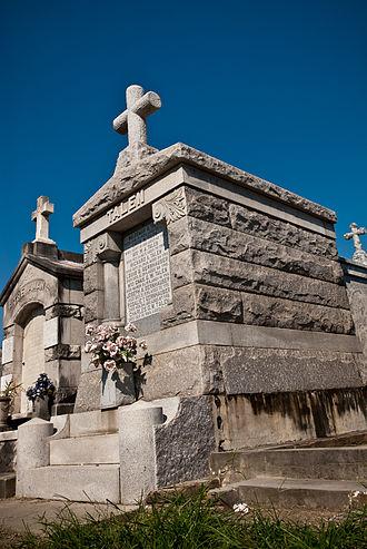 Saint Louis Cemetery - Vaults in Saint Louis No. 1
