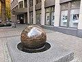 2020-10-27 Große-Steinkugel Geno-Bank-Essen.jpg