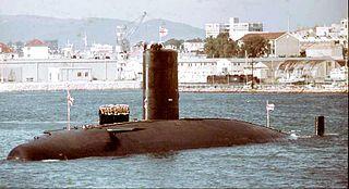 HMS <i>Warspite</i> (S103) Valiant-class submarine