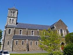 53 Montsûrs église.jpg