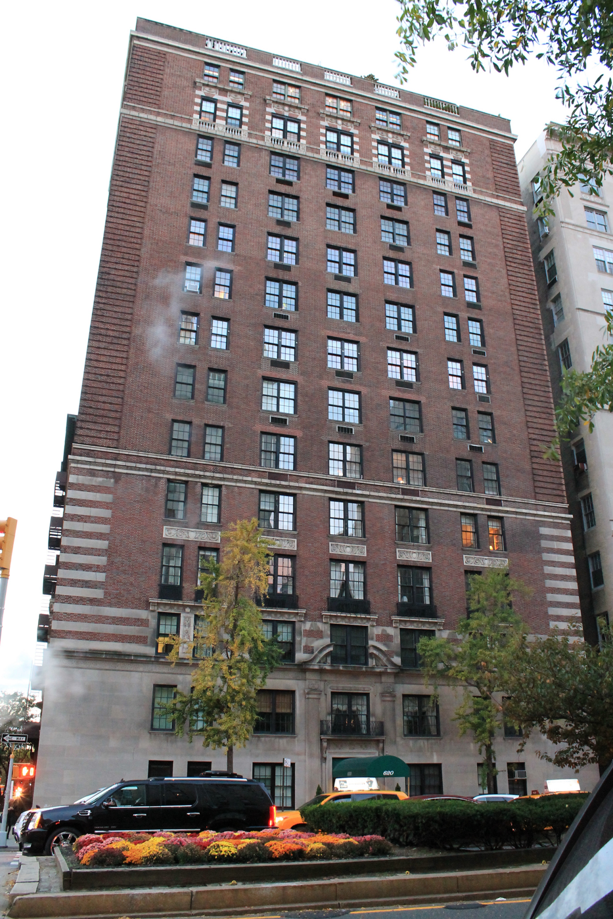 Project together with 620 Park Avenue Floor Plans together with Howard Marks Spends Big At 740 Park Avenue 1201233426 further Favorite Nyc Apartments On Tv in addition Senior Duplex Floor Plans. on co op city apartments floor plans