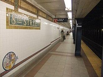 Eighth Street–New York University (BMT Broadway Line) - Platform for downtown trains