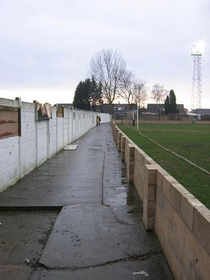 Armthorpe Welfare F.C. - Image: ARMTHORPE WELFARE FC park end