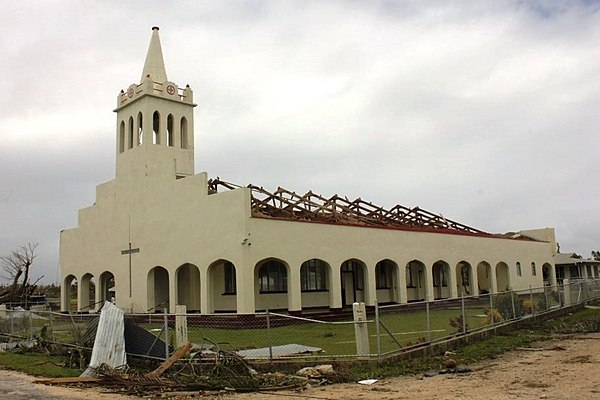 A church on Lifuka that had its roof torn off by Cyclone Ian in January 2014. A church on Lifuka Island in Tonga had its roof torn off by Cyclone Ian (12041227283).jpg