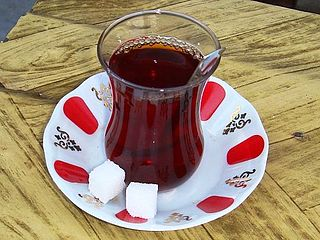 A cup of traditional styled tea, Istanbul, Turkey.JPG
