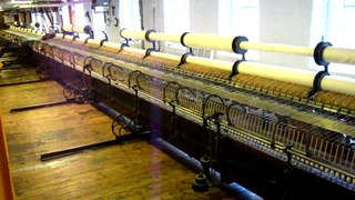 Spinning mule machine used to spin cotton and other fibres