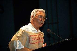 Larry Langford - Langford, wearing a burlap sack, speaks to a crowd at Boutwell Auditorium on April 22, 2008
