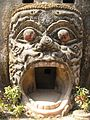 Affenkopf Skulptur Buddha Park Vientiane Laos.jpg