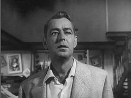 Alan Ladd in de film The Man in the Net (1959).