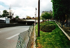 Pont de l'Alma -  Entrance to the Pont de l'Alma tunnel, the site where Diana's car hit a Fiat and then the wall