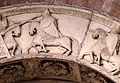 Ambito di wiligelmo, porta della pescheria, 02 ciclo di artù 04,2.jpg