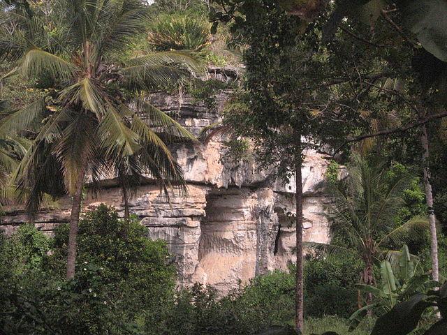 Grottes d'Amboni