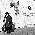 An elderly lady still interested in the technology evolution (16486605987).jpg