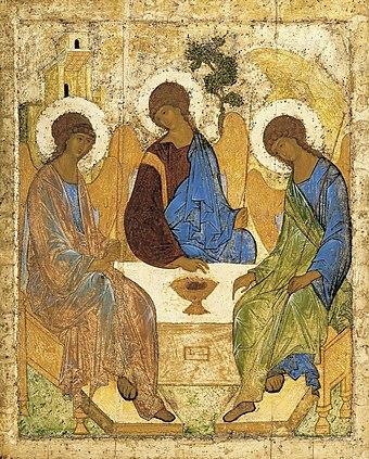 アンドレイ・ルブリョフによるイコン『至聖三者』。旧約においてアブラハムを3人の天使が訪れたことを三位一体の神の象徴的顕現として捉える伝統が正教会にはあるが、そのもてなしの食卓の情景を描いたイコンを元に3人の天使のみが描かれたもの。