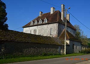 Arconcey - The Chateau and farm