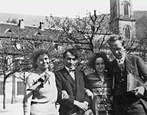 Photo of Hannah with student friends at the university at Heildelberg in 1928