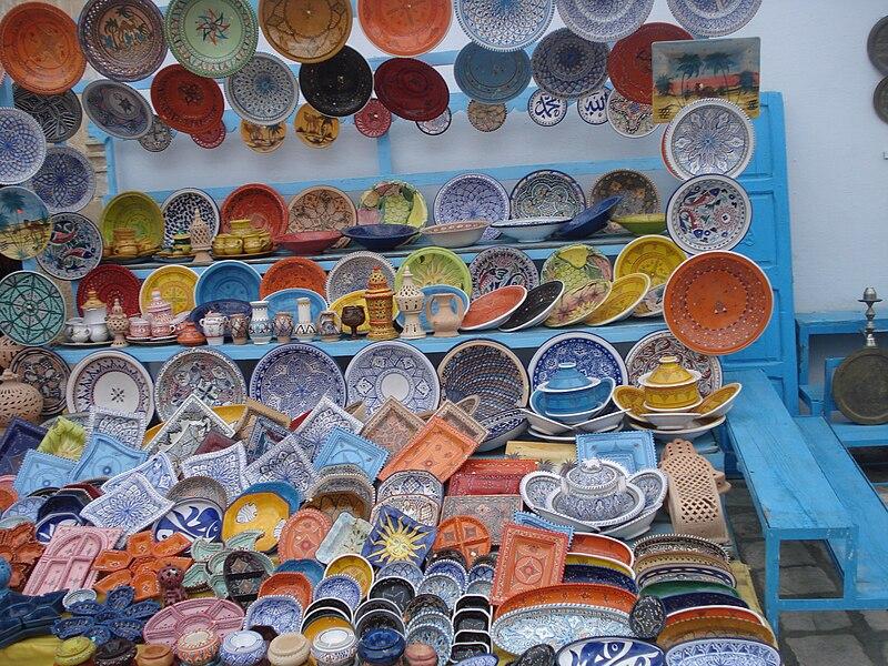 الصناعة التقليدية التونسية 800px-Assiettes_Kairouan