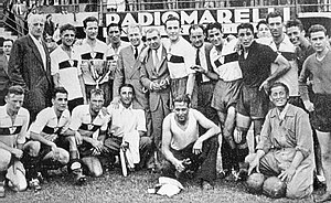 Genoa C.F.C. - Genoa Coppa Italia winning side of 1937, celebrating in Florence.