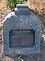 August Heßhaus 1841-1898, Königlicher Büchsenmacher, Grabmal in Celle, Hehlentorfriedhof westlicher Teil.jpg