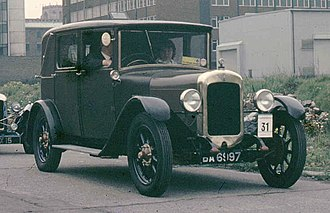 Austin 12 - Twelve (wide track) with fabric saloon body c. 1928