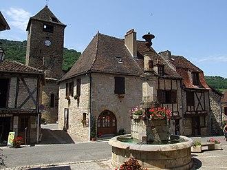 Autoire - Buildings in the centre of Autoire