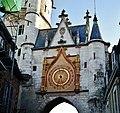 Auxerre Uhrturm 12.jpg