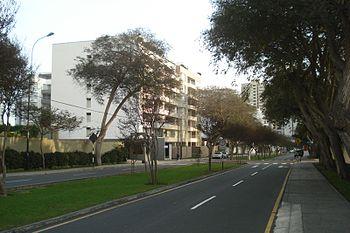 Avenida Santo Toribio - Lima%2C Peru