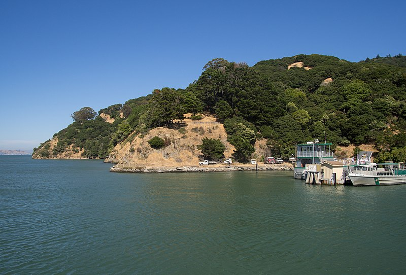 File:Ayala Cove (40273).jpg
