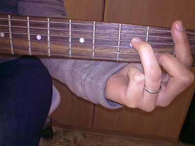 Barrè a base di la minore 7 chitarra - A minor 7 bar chord shape - guitar.jpg