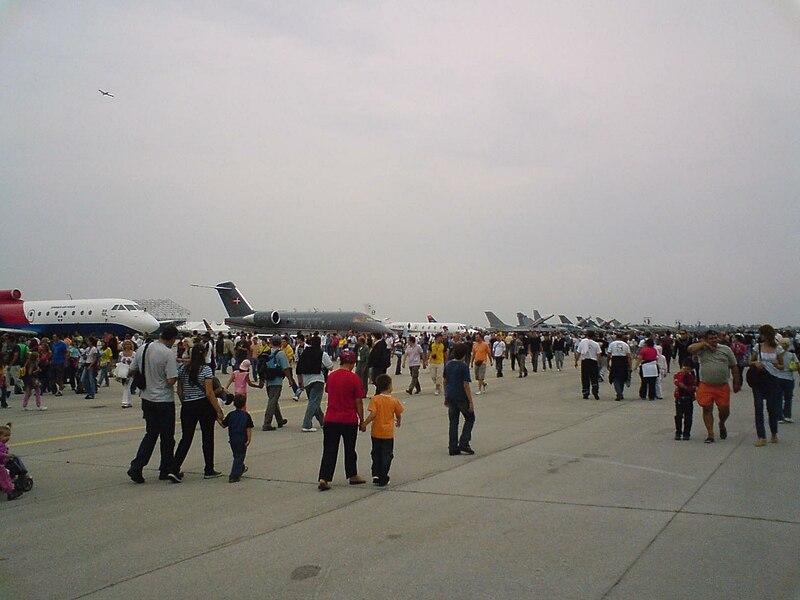 File:Batajnica Air Show.JPG
