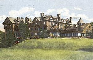 Millbrook, New York - Bennett Junior College Halcyon Hall, c. 1910)